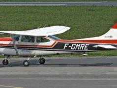 """Piloto es multado por salir a pasear en su avión por estar """"aburrido"""" durante cuarentena."""